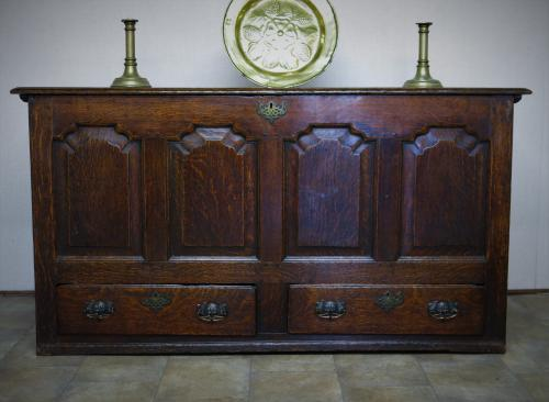 18th Century Welsh Oak Chest