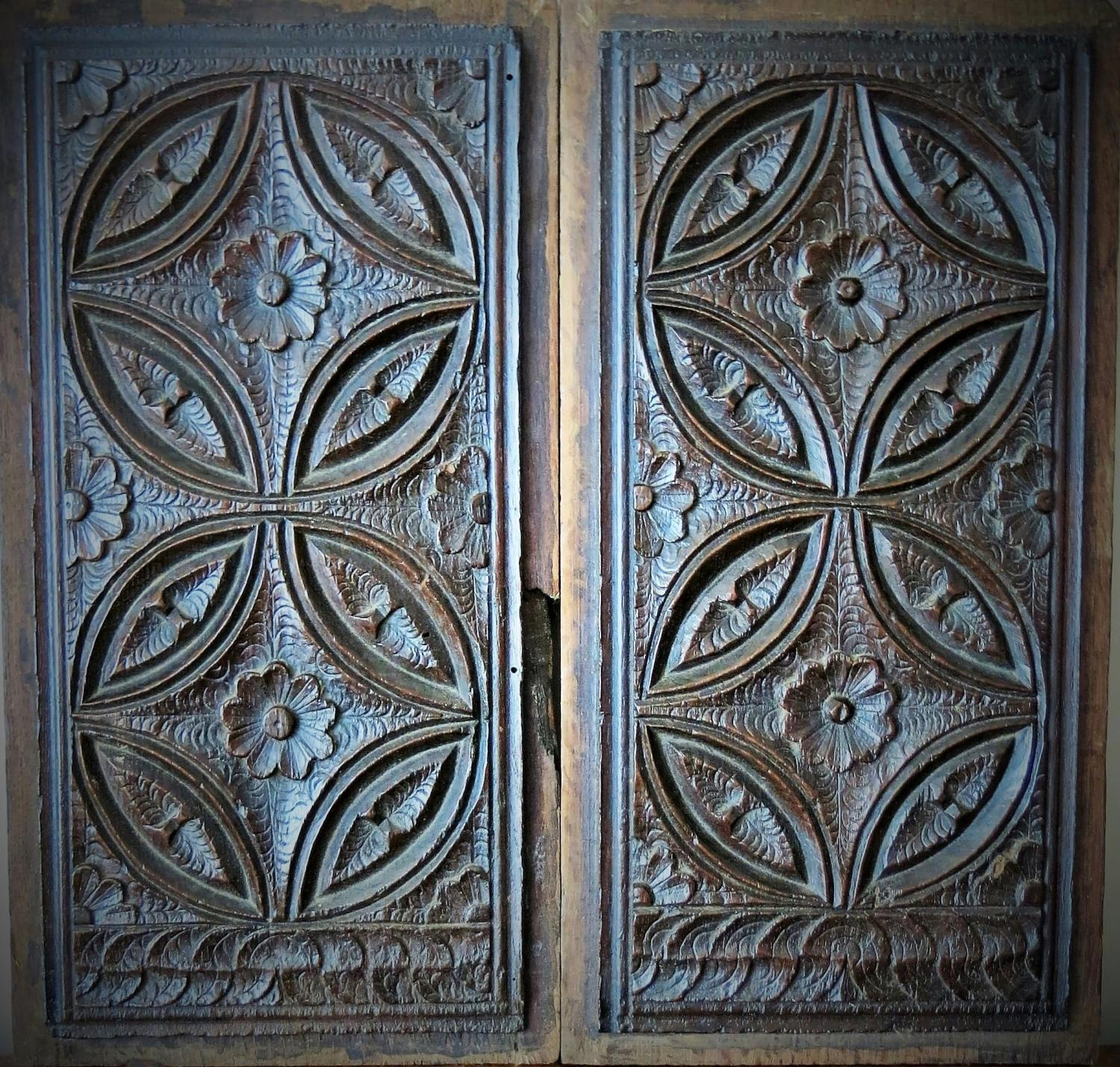 Gothic Oak Tracery Panels 16th Century - Carvings / Sculptures