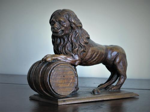 Oak Lion & Tun 18th Century