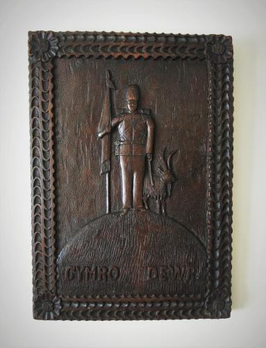 Welsh Folk Art Oak Panel CYMRO DEWR