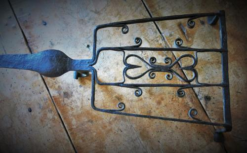 Wrought Iron Down - Hearth Trivet